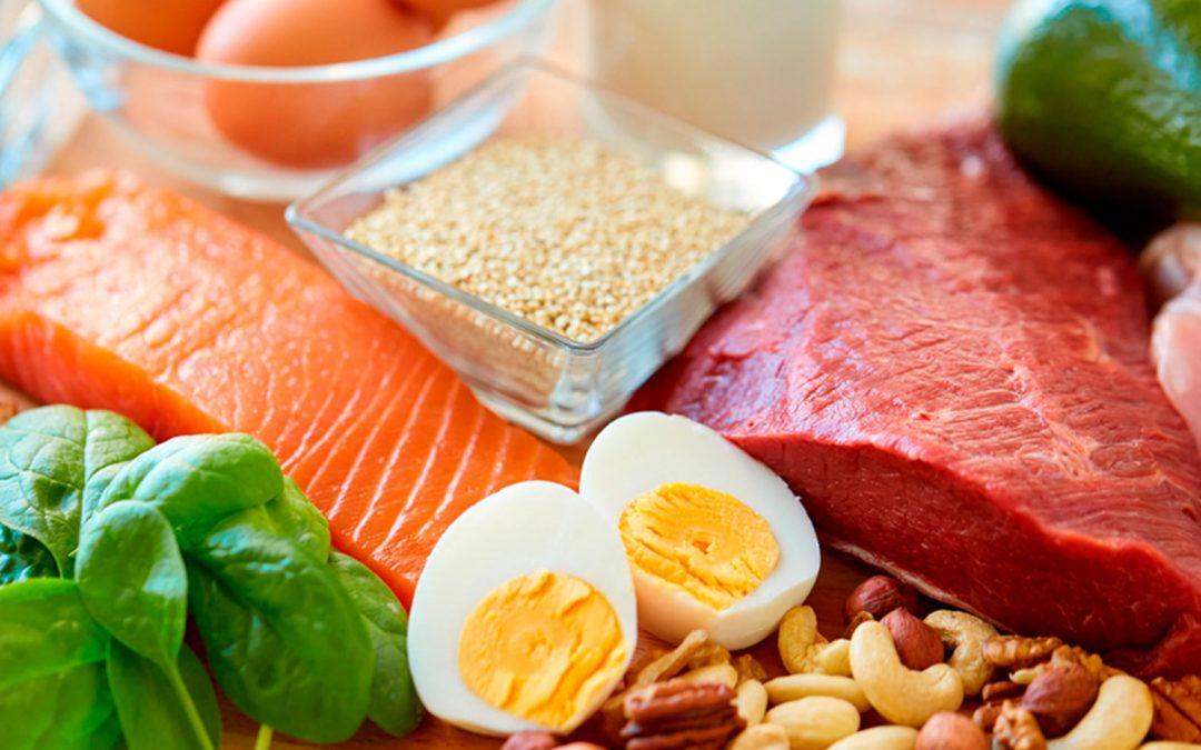 ¿Por qué son importantes las proteínas y qué puedes tomar para conseguirlas?